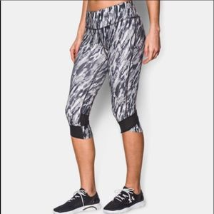 Under Armour Printed Fly-By Compression Capri